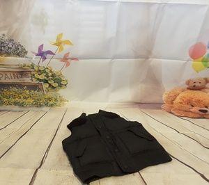 Old Navy black snap front puffer vest size 2T